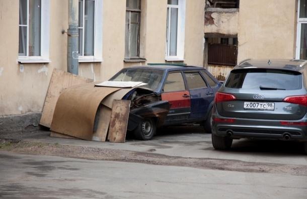 Владельцев автомобилей заставят платить за парковку в чужих дворах