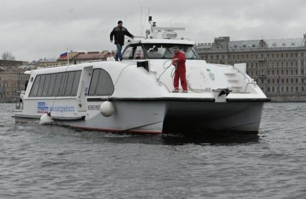 Водный транспорт в Петербурге: кому он нужен и какой