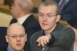 Миронов попросил Шеина отказаться от голодовки, тот отказался