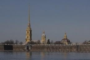Огонь пощадил Петропавловскую крепость в Петербурге. Фото с места происшествия