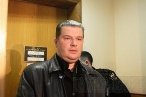 В Петербурге суд опять отказался сажать жемчужного прапора