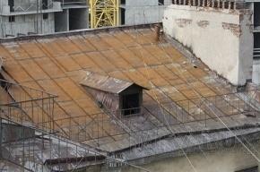 Крыши в Петербурге опять будут протекать из-за чиновников, которые сорвали программу ремонта