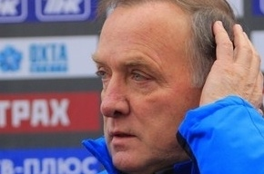 Дик Адвокат уходит с поста главного тренера сборной России по футболу