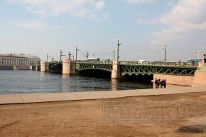 Ночью в Петербурге разведут Дворцовый мост