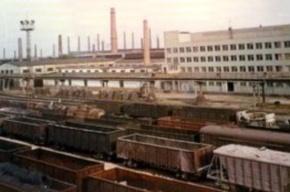 В Волгограде полыхает завод, в дыму весь район