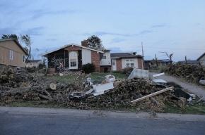 Торнадо в Техасе поднимало в воздух грузовики и сносило целые этажи домов