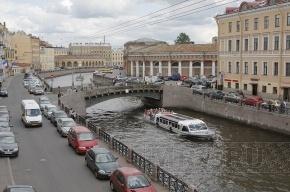В центре Петербурга из реки Мойки достали утопленницу