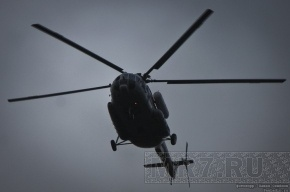 Пострадавших при падении вертолета в Карелии увезли на базу отдыха