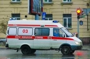 Фургон сбил человека на трамвайной остановке в Красносельском районе