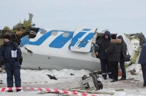 Появились фотографии с места крушения самолета под Тюменью