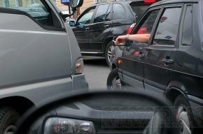 На Киевском шоссе под Петербургом образовалась 8-километровая пробка