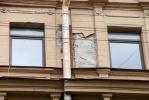 Фоторепортаж: «Штукатурка упала на Петроградке»
