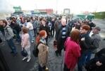 """Фоторепортаж: «Петербургским оппозиционерам пытались помешать поехать на """"Марш миллионов""""»"""