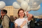 """Петербургским оппозиционерам пытались помешать поехать на """"Марш миллионов"""": Фоторепортаж"""