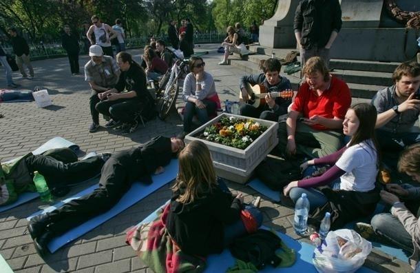 Протесты в России: от боя до бадминтона