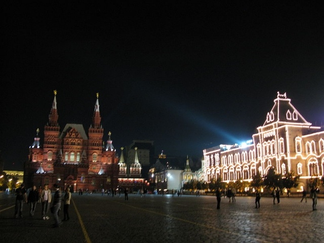 800px-6582_-_Moscow_-_Red_Square.JPG