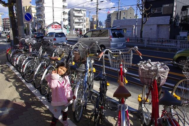 велосипеды и велопарковки со всего мира: Фото