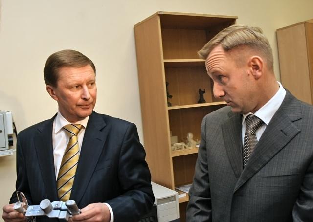 Министр образования Дмитрий Ливанов: Фото