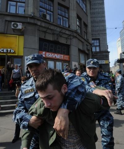 Задержание оппозиционеров в день инаугурации Путина: Фото