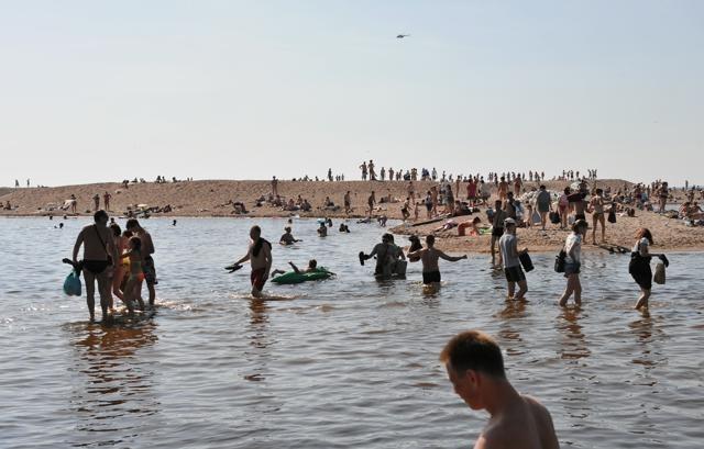 Пляжи  Петербурга: Фото