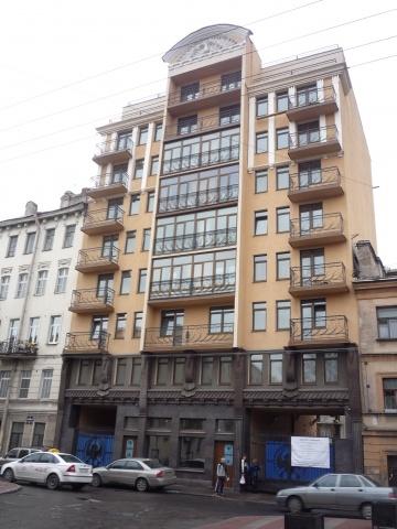 Дом на Черняховского построили без разрешения, прикрываясь интересами дольщиков: Фото
