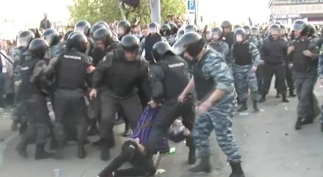 Избиение на Болотной площади 6 мая: Фото