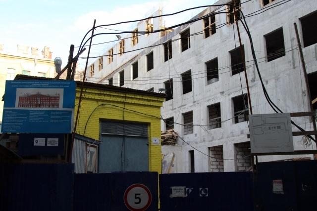 Невский проспект, дом 68 - пятый этаж?!: Фото