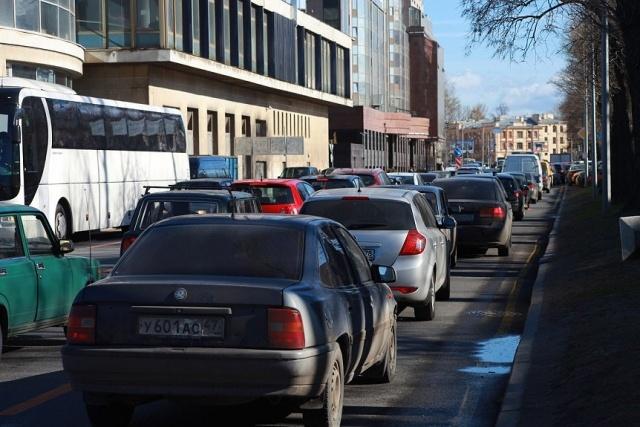Пробки из-за закрытой Пироговской набережной: Фото