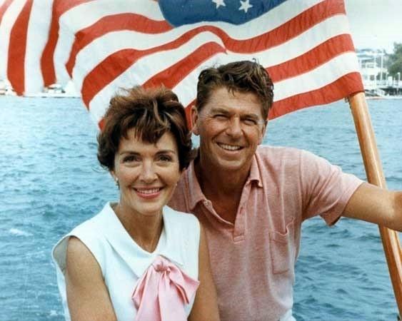 Ronald_Reagan_and_Nancy_Reagan_aboard_a_boat_in_California_1964.jpg