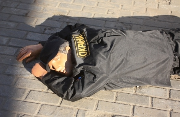 В Ночь музеев в Петербурге убили охранника, но он воскрес