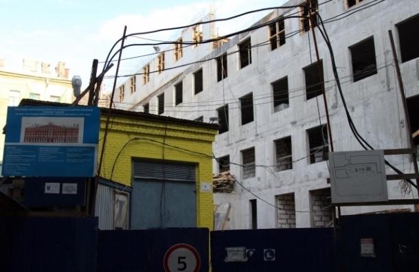 Дом на Невском проспекте прирастает двумя этажами