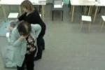Стали известны имена дам, которые впихивали бюллетени после голосования 4 марта в Петербурге