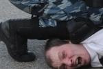 """СМИ сообщают об убитом ОМОНом на """"Марше миллионов"""""""