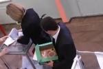 Видео и фото: семь вбросов с переодеваниями на выборах 4 марта