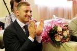 На последний звонок в Петербург приехал новый министр образования (фото и видео)