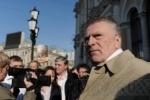 Блогеры: Жириновский на «Майбахе» разъезжает по встречке в самом центре Москвы (видео)