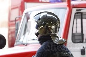 Клиенты центра релаксации в Петербурге спасались от пожара через окна