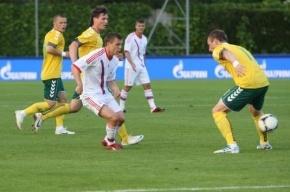 Сборная России по футболу сыграла вничью с Литвой