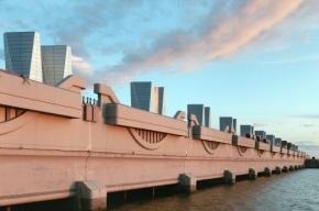 Движение по тоннелю дамбы в Петербурге закроют на четыре дня