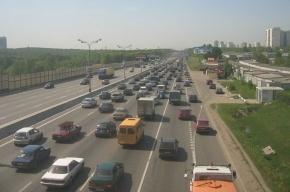 Москвичей заставят платить за езду по улицам и за парковки в пределах МКАД