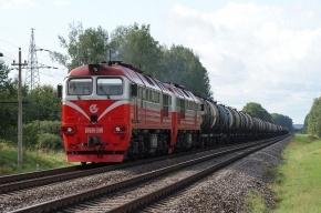 ЧП в Иркутске: сошел с рельсов вагон с лесом
