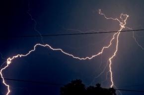 На Ладоге начинается шторм, а в Петербурге может начаться гроза