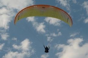 В Ленобласти разбился парашютист