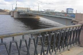 Петербург встал в пробках из-за закрытия Сампсониевского моста