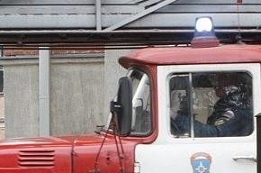 10 жилых домов горят в Тверской области