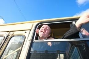 Полиция рапортует о восьми оппозиционерах, задержанных у Гостиного двора