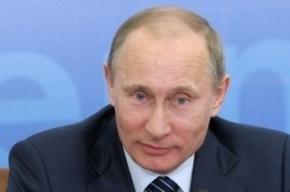 По неизвестным причинам Путин приехал на работу очень рано