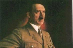 На 9 мая Петербург увесили портретами Адольфа Гитлера