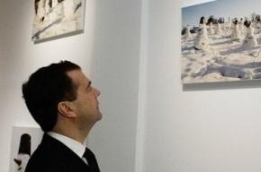 Айфон Медведева хотят выставить в музее Петербурга