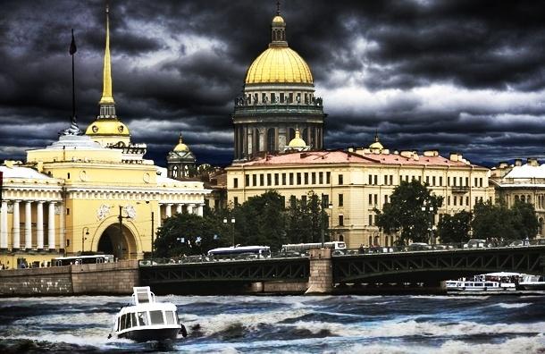 В полдень Петербург затопит, в шесть вечера – сдует